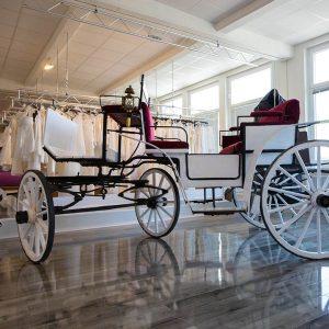 Brautstudio Offenborn - Weiße Hochzeitskutsche