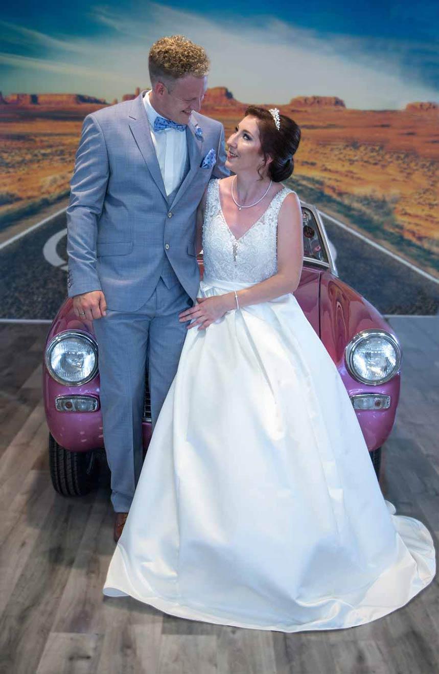 P&S Das Friseurduo - Gestyltes Brautpaar mit Oldtimer