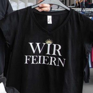 "Druckhaus Menne - T-Shirt-Druck ""Wir feiern"""